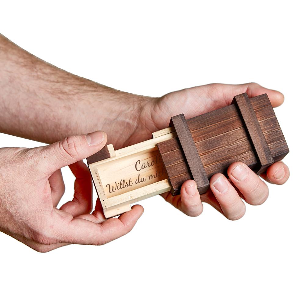 Magische Geschenkbox mit Gravur - Heiratsantrag - dunkles Holz